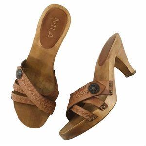 MIA retro brown leather cross cross stud heels 7